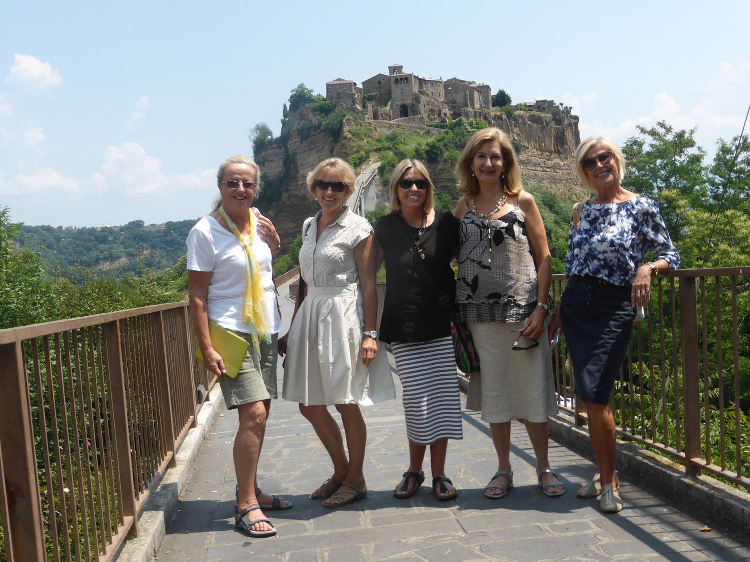 Group tour visiting Civita di bagnoregio